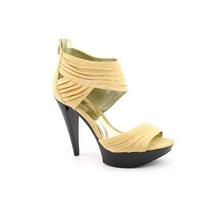 Carlos Santana Women's Groove Beige Leather Heels